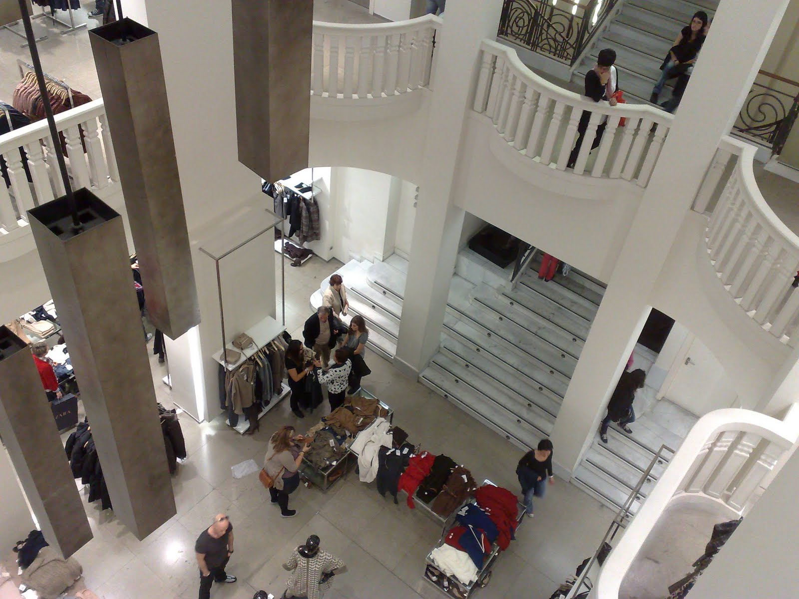 301 moved permanently - Zara gran plaza 2 ...
